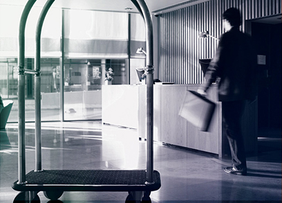 COVID 19 Thumbnails_hotel_luggage cart